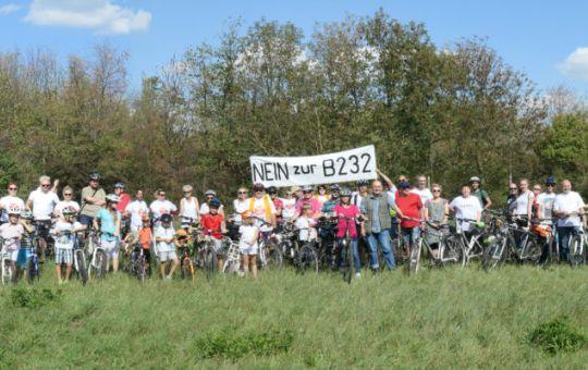 """Radfahrt """"Nein zur B232"""""""